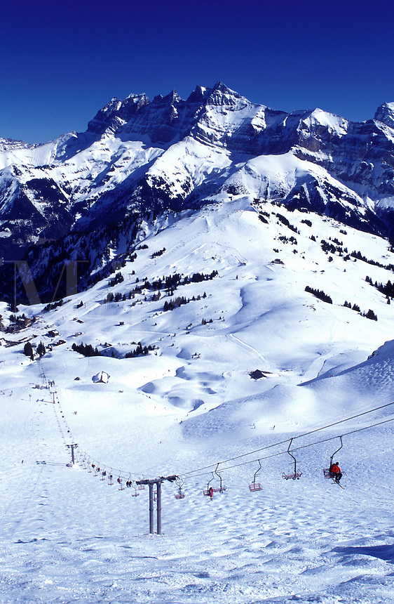Switzerland, ski resort, Alps, Valais, Les Crosets, Portes du Soleil, Swiss Alps, Europe, Dents du Midi, Scenic view of the Portes du Soleil ski resort the largest international and linked ski area in the world in the Swiss Alps.