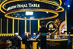 Trophy & TV Final Table Set