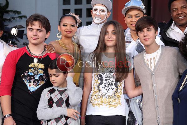 Prince Jackson, Blanket Jackson, Paris Jackson, Justin Bieber<br /> at Michael Jackson Immortalized at Grauman's Chinese Theatre, Hollywood, CA 01-26-12<br /> David Edwards/DailyCeleb.com 818-249-4998