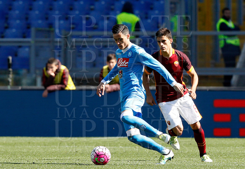 Calcio, Serie A: Roma vs Napoli. Roma, stadio Olimpico, 25 aprile 2016.<br /> Napoli's Jose' Maria Callejon, left, is chased by Roma's Diego Perotti during the Italian Serie A football match between Roma and Napoli at Rome's Olympic stadium, 25 April 2016.<br /> UPDATE IMAGES PRESS/Riccardo De Luca