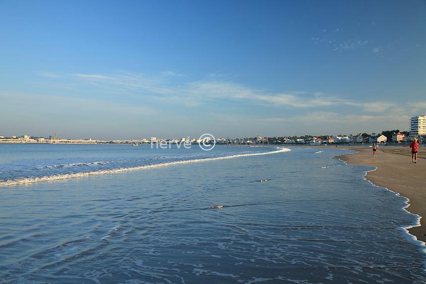 France, Charente-Maritime (17), Saint-Georges-de-Didonne et Royan, plage de la Grande Conche // France, Charente Maritime, Saint Georges de Didonne and Royan, beach of the Grande Conche
