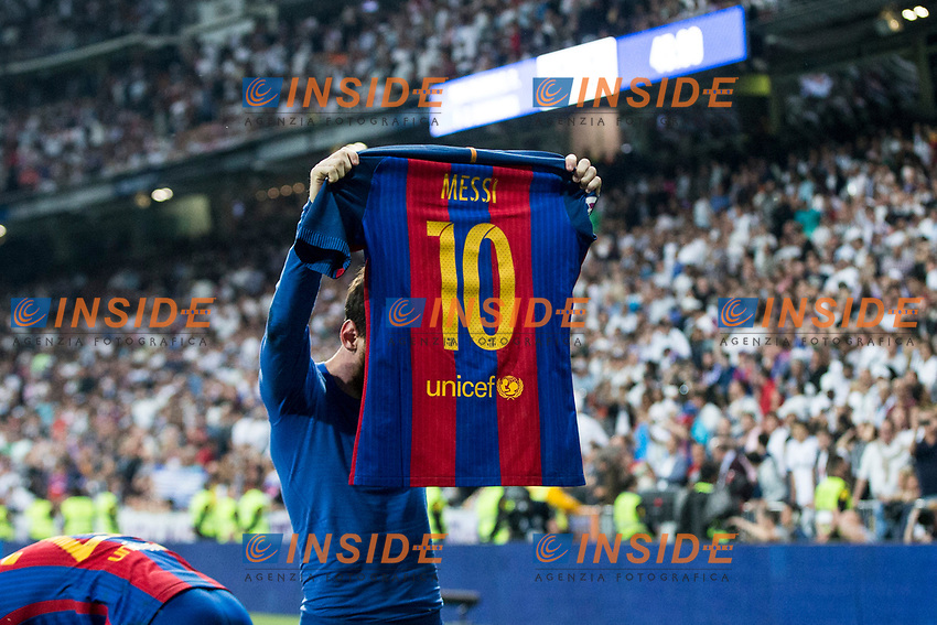 Leo Messi of FC Barcelona celebrates after scoring a goal during the match of La Liga between Real Madrid and Futbol Club Barcelona at Santiago Bernabeu Stadium  in Madrid, Spain. April 23, 2017. (ALTERPHOTOS)<br /> Madrid 23-04-2017 Santiago Bernabeu <br /> Real Madrid - Barcellona <br /> Liga Campionato Spagna 2016/2017<br /> Foto Alterphotos / Insidefoto <br /> ITALY ONLY