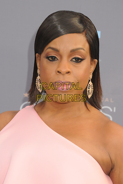 17 January 2016 - Santa Monica, California - Niecy Nash. 21st Annual Critics' Choice Awards - Arrivals held at Barker Hangar. <br /> CAP/ADM/BP<br /> &copy;BP/ADM/Capital Pictures
