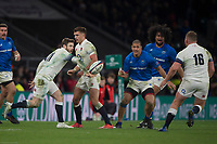 Twickenham, Surrey. UK.  Elliot DALY with a back hand flip pass to Dylan HARTLEY, during the England vs Samoa, Autumn International. Old Mutual Wealth Series. RFU Stadium, Twickenham. Surrey, England.<br /> <br /> Saturday  25.11.17  <br /> <br /> [Mandatory Credit Peter SPURRIER/Intersport Images]