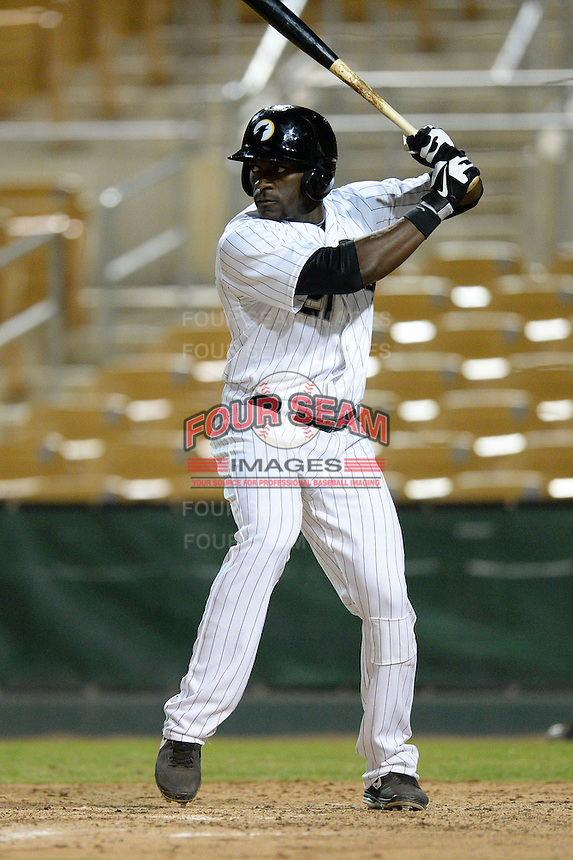 Glendale Desert Dogs outfielder Jared Mitchell (21), of the Chicago White Sox organization, during an Arizona Fall League game against the Salt River Rafters on October 17, 2013 at Camelback Ranch in Phoenix, Arizona.  Glendale defeated Salt River 8-6.  (Mike Janes/Four Seam Images)