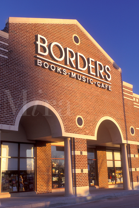 Borders, bookstore, Wilmington, DE, Delaware, Entrance to Borders Bookstore in Wilmington.