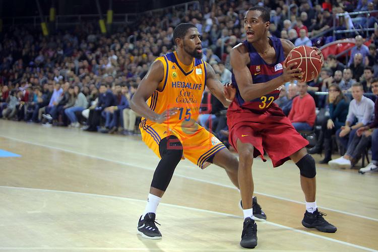 League ACB-ENDESA 2016/2017. Game: 11.<br /> FC Barcelona Lassa vs Herbalife Gran Canaria: 79-78.<br /> Royce O'Neale vs Alex Renfroe.