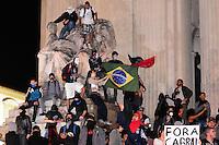 RIO DE JANEIRO,RJ,3107.2013: PROTESTO DO BLAC BLOC NO CENTRO DO RIO. Manifestantes se reuniram na Cinelandia no inicio da terde e depois seguiram em direção a ALERJ, onde as escadarias foram tomadas . Integrantes da aldeia Maracanã também  participarando protesto que chegou ao ministério Publico do Rio e cobraram rigor nas investigações contra o governador. SANDROVOX/BRAZILPHOTOPRESS