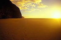 Kalalau beach at sunset, Na pali coastline, Kauai