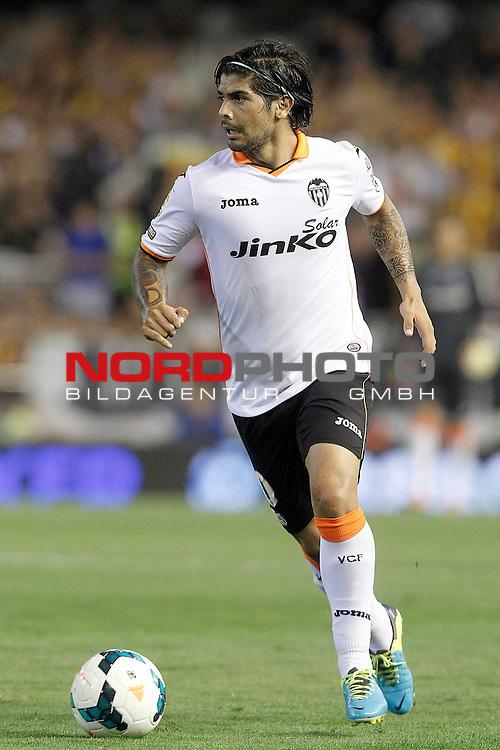 Valencia's Ever Banega during La Liga match.September 1,2013. Foto © nph / Acero)