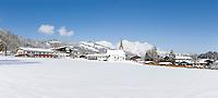 Austria, Tyrol, Reith near Kitzbuhel at Brixen Valley: at background Kitzbuhel Alps and Wilder Kaiser mountains | Oesterreich, Tirol, Reith bei Kitzbuehel im Brixental: im Hintergrund die Kitzbueheler Alpen und der Wilde Kaiser