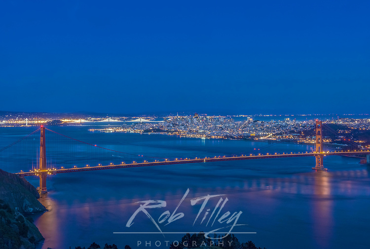 USA, CA, San Fracisco, Twilight City by the Bay