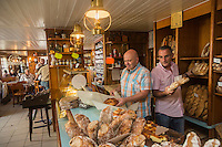 France, Morbihan (56), Golfe du Morbihan, Saint-Armel , Le Moulin à Café - Bar Boulangerie - Éric Le Joubioux et Yann Saintilan // France, Morbihan, Gulf of Morbihan, Saint Armel , Le Moulin à Café , bar and bakery - Éric Le Joubioux and Yann Saintilan [Non destiné à un usage publicitaire - Not intended for an advertising use]