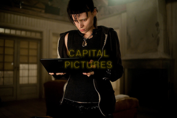 Rooney Mara.in The Girl with the Dragon Tattoo.*Filmstill - Editorial Use Only*.CAP/NFS.Supplied by Capital Pictures.