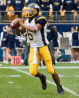 30 September 2006: Toledo quarterback Brandon Summers..The Pitt Panthers defeated the Toledo Rockets 45-3 on September 30, 2006 at Heinz Field, Pittsburgh, Pennsylvania.