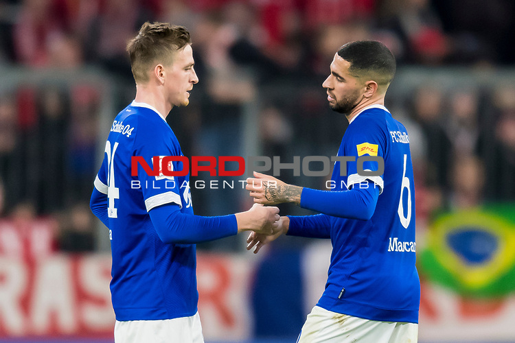09.02.2019, Allianz Arena, Muenchen, GER, 1.FBL,  FC Bayern Muenchen vs. FC Schalke 04, DFL regulations prohibit any use of photographs as image sequences and/or quasi-video, im Bild Bastian Oczipka (Schalke #24) mit Omar Mascarell (Schalke #6) enttaeuscht<br /> <br />  Foto &copy; nordphoto / Straubmeier