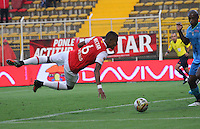 BOGOTA -COLOMBIA, 8-10-2016.William Tesillo jugador  de Indepemdiemte Santa Fe  en acción contra  Jaguares FC durante encuentro  por la fecha 15 de la Liga Aguila II 2016 disputado en el estadio Metropolitano de Techo./Action game between Independiente Santa and Jaguares FC during match for the date 15 of the Aguila League II 2016 played at Metropolitano de Techo stadium . Photo:VizzorImage / Felipe Caicedo  / Staff