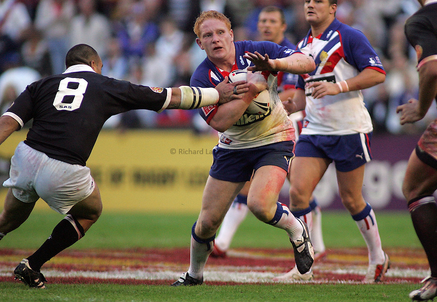 Photo: Paul Thomas..Great Britain v New Zealand. XXXX Test Match. 27/06/2006..Try scorer James Graham of Great Britian in action.
