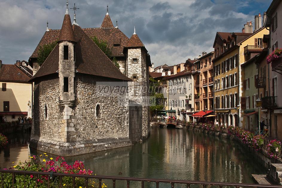 Europe/France/Rhône-Alpes/74/Haute-Savoie/Annecy: Le Palais de l'Ile sur les bords du Thiou