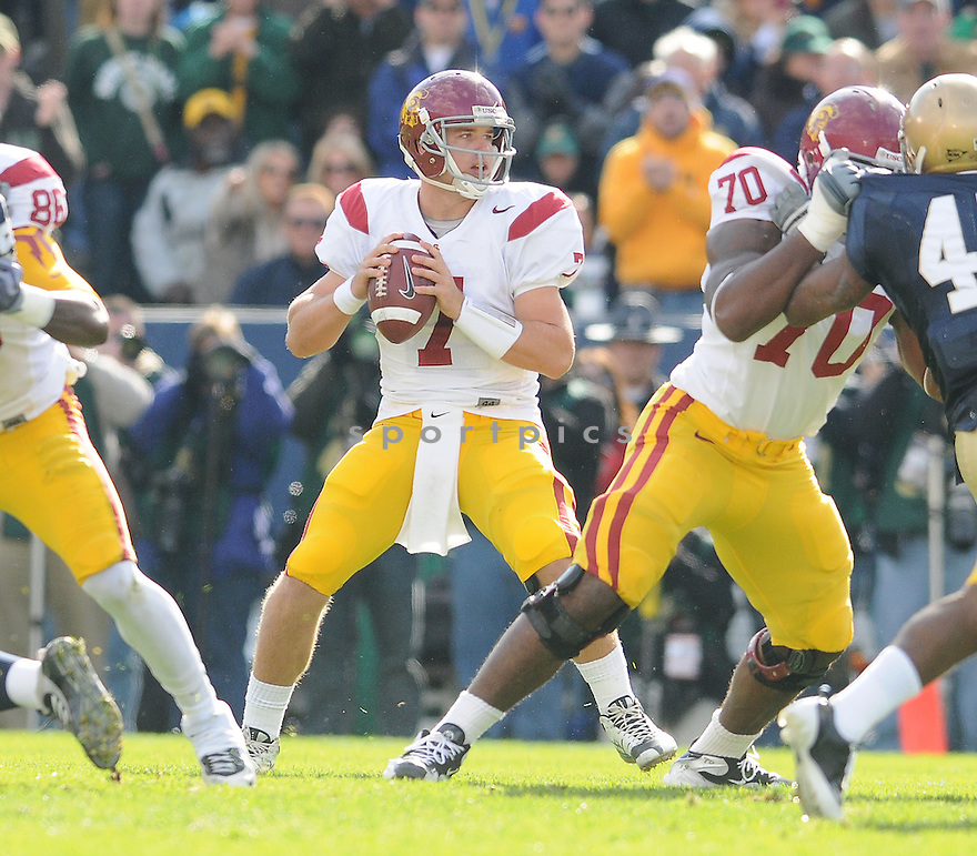 MATT BARKLEY, of the USC Trojans, in action during the Trojans game against the Notre Dame Fighting Irish on October 17, 2009 in South Bend, Indiana. The Trojans  beat the irish  34-27 ..