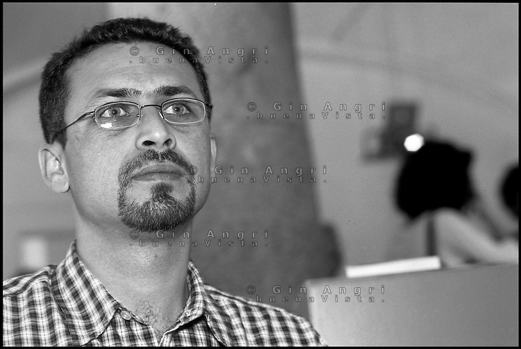 Anas Al Aili poeta