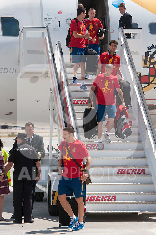 Spanish football team Alvaro Negredo, Victor Valdes, Cesc Fabregas, Sergio Busquets and Andres Iniesta during his arrival at Barajas airport after his victory at Euro 2012..(Alterphotos/Ricky)