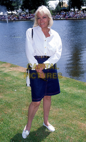 WENDY RICHARD.eastenders, outdoors, lake.Ref: 1346.www.capitalpictures.com.sales@capitalpictures.com.© Capital Pictures