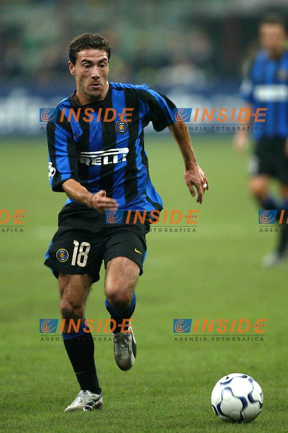 Milano 30/09/2003 <br /> Champions League <br /> Inter Dynamo Kyiv 2-1 <br /> Kily Gonzalez (Inter)<br /> Foto Andrea Staccioli Insidefoto