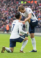 Football - 2017 / 2018 Premier League - Tottenham Hotspur vs. Southampton Heung-Min Son (Tottenham FC) polishes the boots of Premier League record scorer Harry Kane (Tottenham FC) at Wembley Stadium. COLORSPORT/DANIEL BEARHAM PUBLICATIONxNOTxINxUK csp_tot_sou_261217_  <br /> Premier League 2017/2018 <br /> Foto Imago / Insidefoto