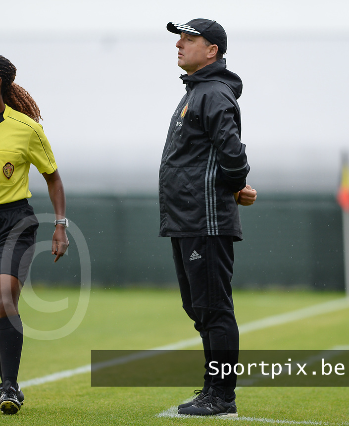 20170914 - TUBIZE ,  BELGIUM : Belgian head coach Ives Serneels pictured during the friendly female soccer game between the Belgian Red Flames and European Champion The Netherlands , a friendly game in the preparation for the World Championship qualification round for France 2019, Thurssday 14 th September 2017 at Euro 2000 Center in Tubize , Belgium. PHOTO SPORTPIX.BE | DAVID CATRY