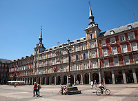 29 MAY 2009 - MADRID,ESP - Plaza Mayor .(PHOTO (C) NIGEL FARROW)