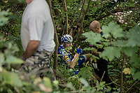 The surreal sight of Laurens De Plus (BEL/QuickStep Floors) after he was propelled over a barrier into a ravine and ended up 10 meters lower WITHOUT seriously injuring himself.<br /> <br /> Il Lombardia 2017<br /> Bergamo to Como (ITA) 247km