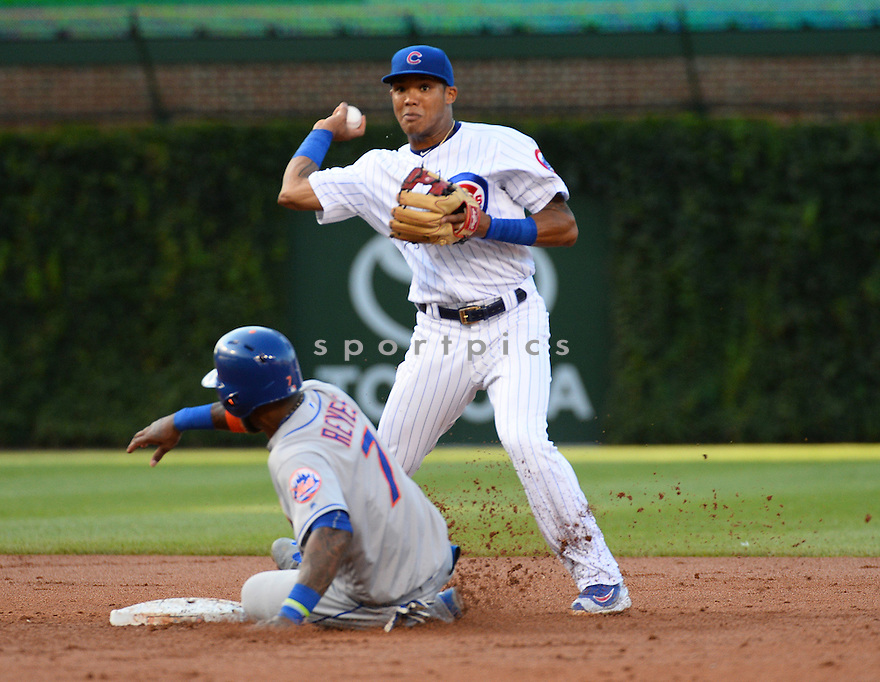 Chicago Cubs Addison Russell (27) during a game against the New York Mets on July 18, 2016 at Wrigley Field in Chicago, IL. The Cubs beat the Mets 5-1.