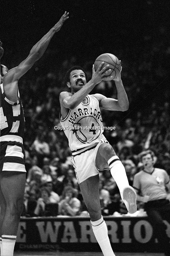 Warrior John Lucas goes up for shot..(1979 photo/Ron Riesterer)