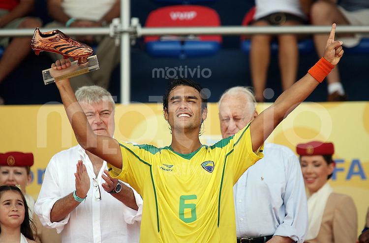 Football    FIFA Beach Soccer World Cup 2007 in Rio de Janeiro    11.11.07 Match 32      Mexico vs. Brazil BRUNO received the Bronze Adidas Shoe.