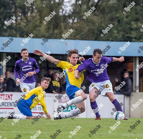 2017-10-22 / Voetbal / seizoen 2017 -2018 / KSV Schriek - FC Berlaar Heikant / Tijl Vanden Eynde (l.KSV Schriek) met Rik Van Praet  ,Foto: Mpics.be