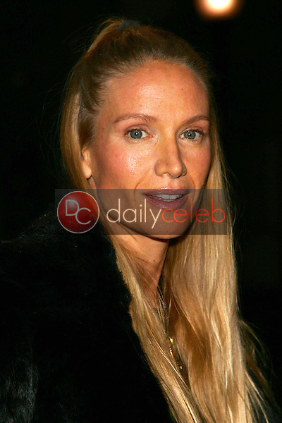 """Kelly Lynch<br />at the premiere of """"Neil Young: Heart of Gold"""". Paramount Theater, Los Angeles, CA 02-07-06<br />Dave Edwards/DailyCeleb.com 818-249-4998"""