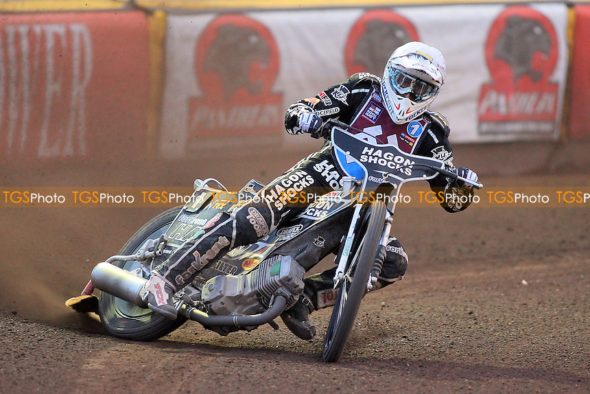 Heat 13: Chris Holder on his way to a heat win for Lakeside - Peterborough Panthers vs Lakeside Hammers - Elite League Speedway at the Showground, Peterborough - 18/07/11 - MANDATORY CREDIT: Gavin Ellis/TGSPHOTO - Self billing applies where appropriate - 0845 094 6026 - contact@tgsphoto.co.uk - NO UNPAID USE.