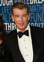 MOUNTAIN VIEW, CA - NOVEMBER 04: Pierce Brosnan attends the 2019 Breakthrough Prize at NASA Ames Research Center on November 4, 2018 in Mountain View, California.  <br /> CAP/MPI/SPA<br /> &copy;SPA/MPI/Capital Pictures