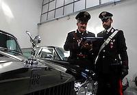 150 milioni di beni sequestrati   al clan Camoristico dei Moccia   alcune ditte di onoranze funebri che nel loro autoparco di carri funebri avevano Rolls Royce , Maserati e Bentley<br /> <br />  Assets for &euro; 150 million seized at a  Napolitan Mafia Camorra clan including   funeral homes with Rolls Royce and Maserati as hearseAssets for &euro; 150 million seized at a  Napolitan Mafia Camorra clan including   funeral homes with Rolls Royce and Maserati as hearse