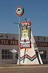 Route 66 - Tepee Curios store