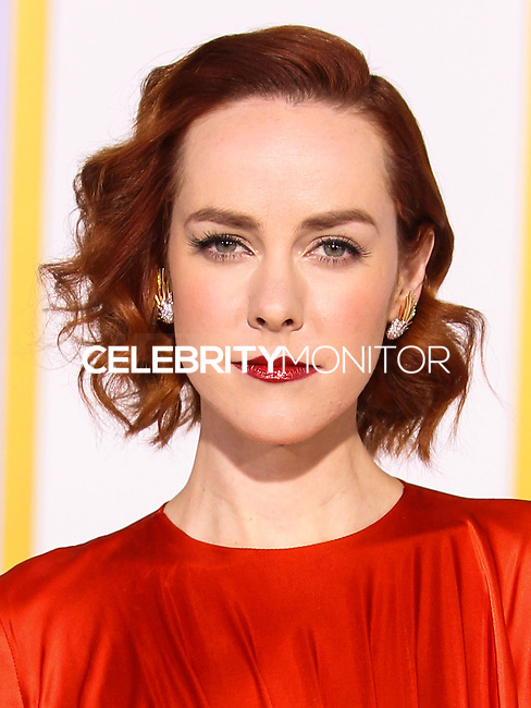 LOS ANGELES, CA, USA - NOVEMBER 17: Jena Malone arrives at the Los Angeles Premiere Of Lionsgate's 'The Hunger Games: Mockingjay, Part 1' held at Nokia Theatre L.A. Live on November 17, 2014 in Los Angeles, California, United States. (Photo by Rudy Torres/Celebrity Monitor)