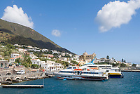 ITA, Italien, Sizilien, Liparischen Inseln, Insel Salina, Santa Marina Salina: Haupthafen der zweitgroessten Insel | ITA, Italy, Sicily, Aeolian Islands or Lipari Islands, island Salina, Santa Marina Salina: main port of the second biggest island