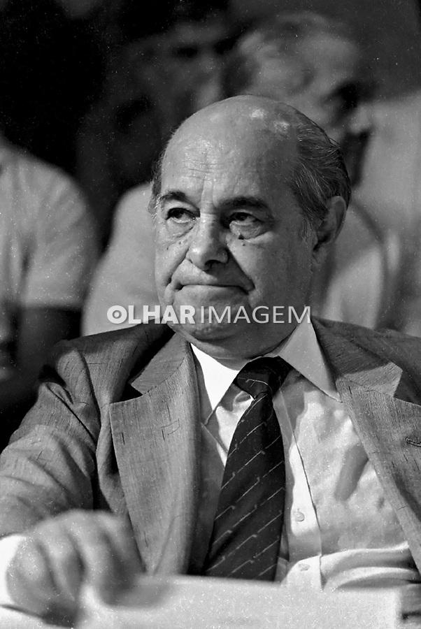 Tancredo Neves na Reunião de comitê suprapartidario da campanha por eleições Diretas Ja, Assembleia Legislativa. SP. 1984. Foto de Juca Martins.