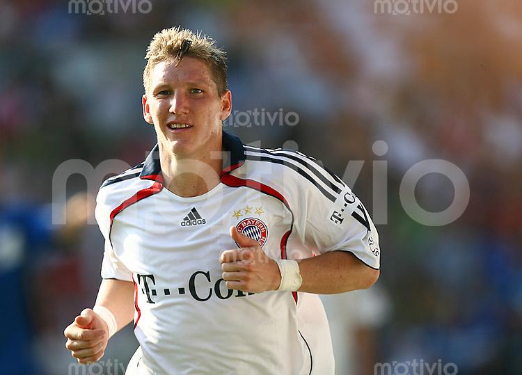 Fussball 1. Bundesliga Saison 2006/2007    4. Spieltag           Arminia Bielefeld - Bayern Muenchen Bastian SCHWEINSTEIGER (Bayern) laeuft zum Eckball.