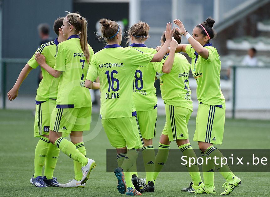 20150808 - ZULTE , BELGIUM : Anderlecht pictured celebrating one of their goals during a friendly soccer match between the women teams of Zulte-Waregem and RSC Anderlecht  , during the preparations for the 2015-2016 SUPERLEAGUE season, Saturday 8 August 2015 . PHOTO DAVID CATRY