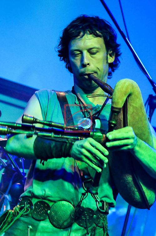 Marc DAunis - Gralla, sac de gemecs, corn viola de roda, biniou - Els Berros de la Cort  a la Sala Sielu de Manresa - Fira Meditarranea 2012