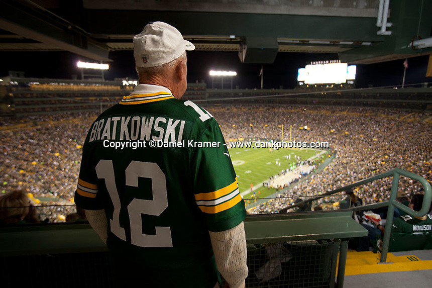 Former Packer quarterback Zeek Bratkowski watches the Seattle Seahawks play the Green Bay Packers at Lambeau Field on Sept. 20, 2015.