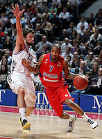 Real Madrid's Sergio Llull (l) and CSKA Moscow's Aaron Jackson during Euroleague 2012/2013 match.January 31,2013. (ALTERPHOTOS/Acero)