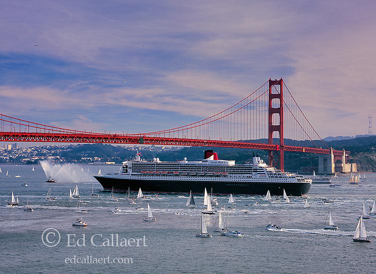 Queen Mary 2, Golden Gate Bridge, San Francisco, California